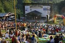 Areál letního kina naplnilo na jedenáctém ročníku festivalu Starý dobrý western více než dva tisíce příznivců country hudby.