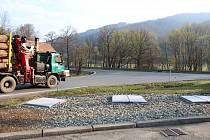 Z frekventované křižovatky u čerpací stanice ve Valašské Polance by měl během příštího roku vzniknout kruhový objezd.