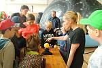 Účastníci příměstského tábora valašskomeziříčské hvězdárny navštívili mobilní planetárium