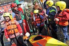 Odemykání řeky Bečvy ve Vsetíně. Ilustrační foto
