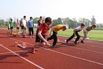 Valašské Meziříčí hostilo v pátek okresní kolo Odznaku všestrannosti olympijských vítězů. Podpořit děti ve sportování přijela i Šárka Kašpárková.