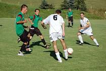 Na videčské Sahaře se hrál v sobotu zápas dvou týmů z čela tabulky. Domácí nakonec prohráli s Dolní Bečvou 0:2.