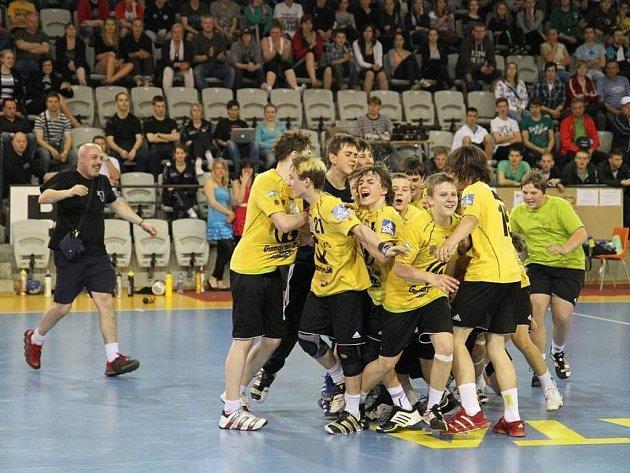 Starší žáci HC Zubří zvítězili na megaturnaji Prague Handball Cup 2011.