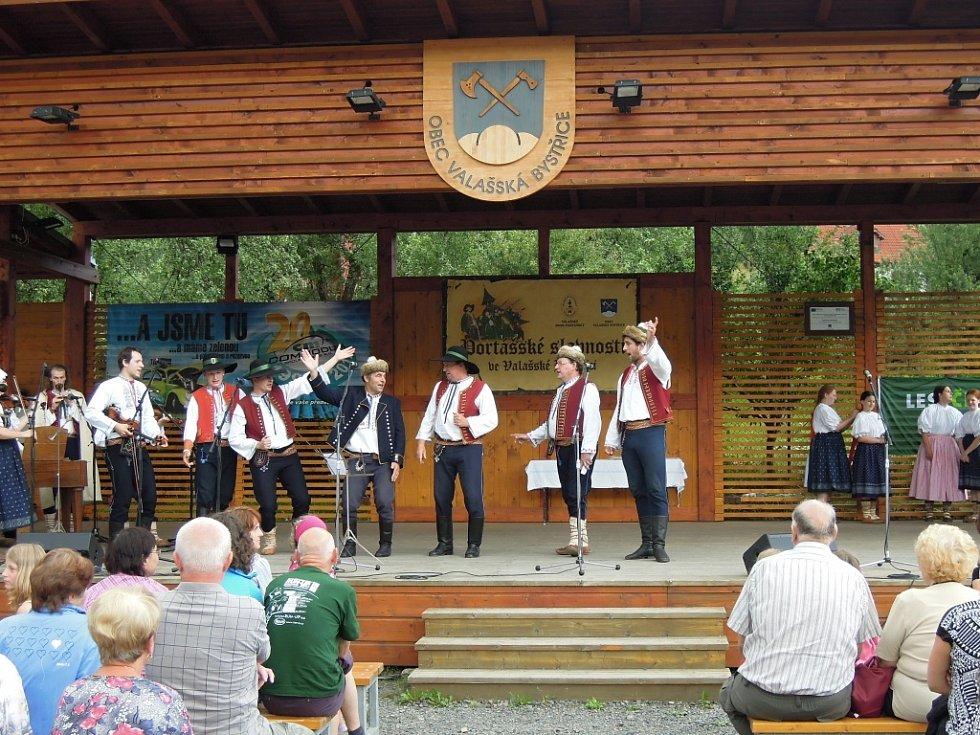 Ve Valašské Bystřici se v od pátku 12. do neděle 14. července 2013 konaly tradiční Portášské slavnosti. Jejich součástí byla historická bitevní ukázka i bohatý doprovodný folklorní program.