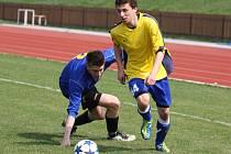 Fotbalisté Valašského Meziříčí B (žluté dresy) na úvod nové sezony vysoko vyhráli s Juřinkou.