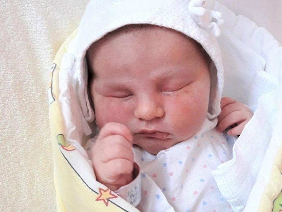 Diana Amy Peřinová, Hustopeče nad Bečvou, narozena 21. července 2021 ve Valašském Meziříčí, míra 49 cm, váha 3410 g