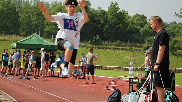Čtvrteční atletické závody, které jsou součástí 56. celostátních sportovních her sluchově postižených žáků, které se konají od 23.do 26.června ve Valašském Meziříčí.