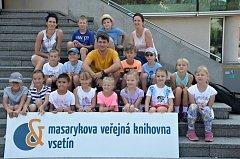 První srpnové pondělí 2018 zavítal do Vsetína herec a muzikant Saša Rašilov. Na Dolním náměstí četl a zpíval dětem na akci, kterou Masarykova veřejná knihovna nazvala Letní prázdninové čtení