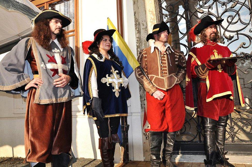 V pondělí 31. října 2011 odpoledne byl slavnostně otevřen zámek Lešná u Valašského Meziříčí.