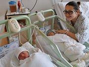 DVOJČÁTKA. Eliáš a Matyáš Malíkovi přišli na svět ve vsetínské nemocnici během osmistého porodu.