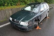 Osobní vůz Škoda Octavia poničený při dopravní nehodě, která se stala v sobotu 27. července 2019 v Jablůnce.