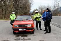 Preventivní akci zaměřenou na přezutí na zimní pneumatiky uskutečnili v pondělí 4. listopadu na kopci Pindula společně novojičínsští a vsetínští policisté.