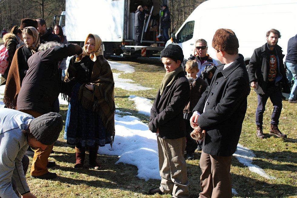 Filmový štáb začal posledního února s natáčením pohádky Největší dar. Z lokalit si filmaři vybrali z velké části prostředí Valašského muzea v přírodě v Rožnově pod Radhoštěm.