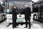 Společnost ČSAD Vsetín si od čínského výrobce převzala prvních devět autobusů Yutong z nasmlouvaných sedmnácti