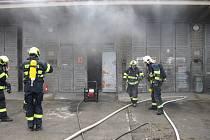Požár skladu v Hovězí na Vsetínsku.