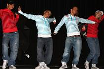 Závěrečná přehlídka malých i velkých tanečníků vsetínské skupiny All Style Unit