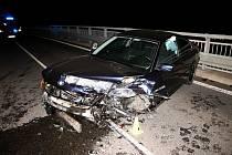 Osmatřicetiletý řidič ze Vsetínska havaroval v pátek 1. listopadu 2019 s vozem BMW na nadjezdu nad silnicí I/57 u Vsetína. Po nehodě nadýchal 3,11 promile.