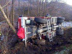 Nehoda cisterny se obešla bez zranění