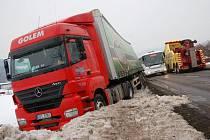 Nehoda kamionu u Janové