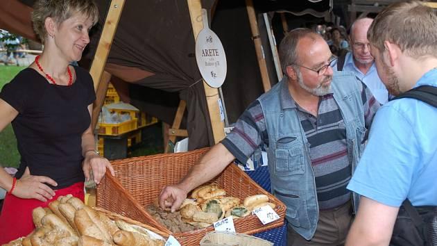 Na setkání pekařů v Rožnově pod Radhoštěm přijelo 21 pekařů a firem z ČR i Slovenska.
