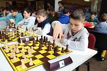Krajského přeboru škol v šachu se ve středu 6. února 2019 zúčastnila stovka šachistů ze základních a středních škol z celého kraje.