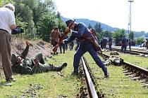 Na nádraží ve Valašských Kloboukách připomněli členové klubů vojenské historie stovkám diváků dobu 1. světové války.