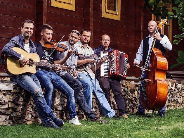 Folklorbeatová kapela Docuku zValašského Meziříčí