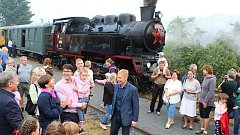 Oslavit 110 let železniční trati Vsetín - Velké Karlovice přišly v sobotu 1. září stovky lidí. Lákal parní Matěj i motorový Hurvínek.