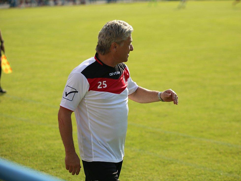 Hlavní trenér Vsetína Miroslav Mičega.