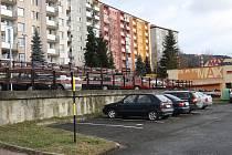 Na radnici uvažují o zbudování parkovacího domu na Sychrově. Před vlakovým nádražím o multifunkční budově. U bývalé vlečky do Zbrojovky naproti autobusovém nádraží, se plánují vytvořit nová parkovací místa. Na většinu novinek však prozatím nejsou finance.