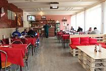 Restaurace v Kulturním domě ve Valašské Polance změnila nájemce a vzhled.