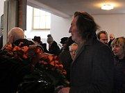 Zarmoucená rodina a smuteční hosté se naposledy rozloučili s legendární valašskou zpěvačkou Jarmilou Šulákovou.
