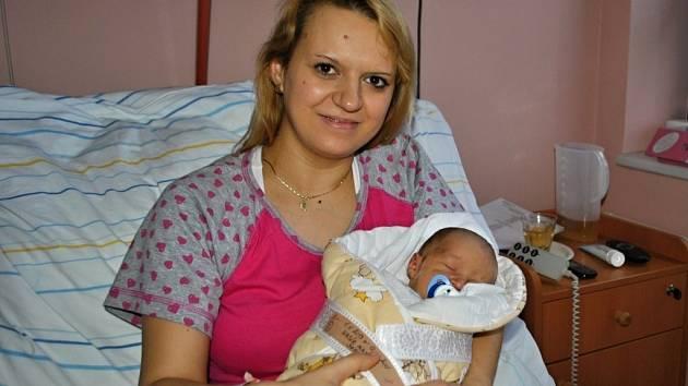 Prvním meziříčským miminkem letošního roku je Matyáš Hasík. Narodil se 1. ledna ve 12:41 hodin.