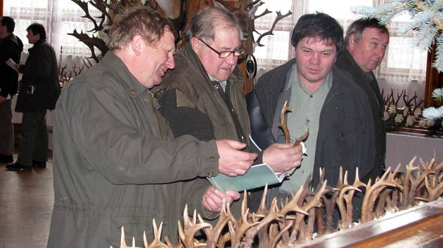 Okresní myslivecký spolek Vsetín uspořádal v kulturním domě v Pozděchově výstavu mysliveckých trofejí za rok 2008. Akce se konala od 28. do 30. března