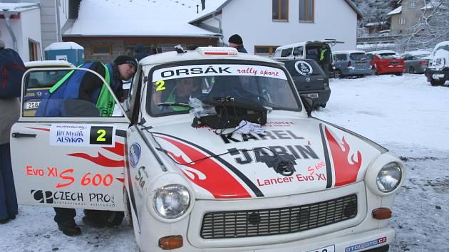 Automobilová exhibice jezdců rally ve Valašské Bystřici