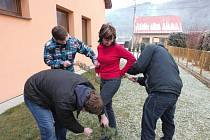 Šmigrust na Valašsku se nesl ve znamení jalovce i pomlázky z vrbového proutí.