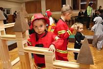 Tradiční karneval pro děti uspořádalo Rodinné a mateřské centrum Vsetín v sobotu 2.2. 2019 ve vsetínské Sokolovně. Děti si užily her i tvoření.