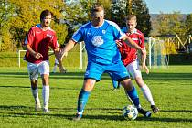 Roman Macků (v modrém)