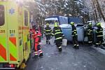 Nehoda osobního vozu a kamionu v Prlově; čtvrtek 7. února 2019