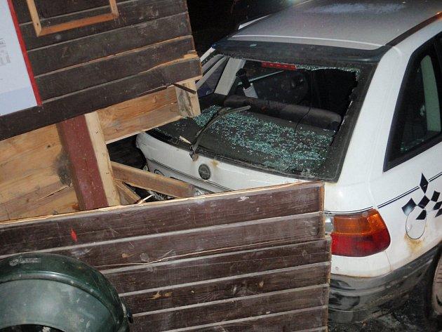 Dopravní nehoda ve Francově Lhotě.