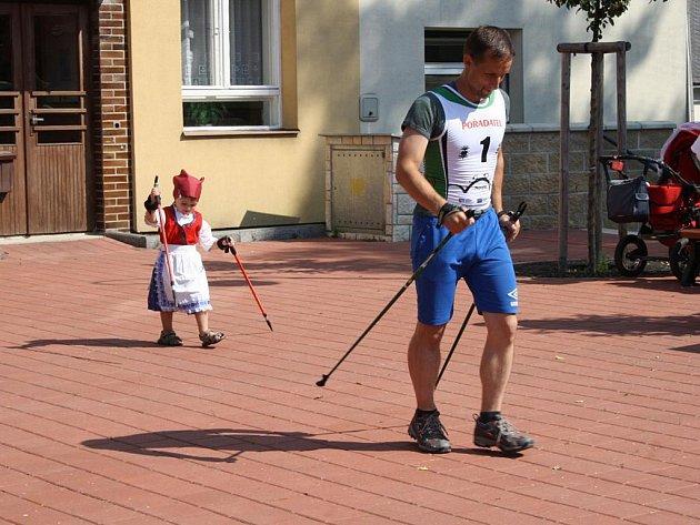 Ve Zděchově v sobotu slavnostně otevřeli stezku pro nordic walking.