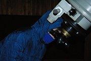 Návštěvníci valašskomeziříčské hvězdárny pozorují v pondělí 21. ledna 2019 úplné zatmění měsíce.