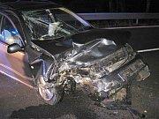 V úterý 31. července 2018 narazil šestatřicetiletý řidič Fabie do betonové zdi. Se zraněním ho převezli do nemocnice.