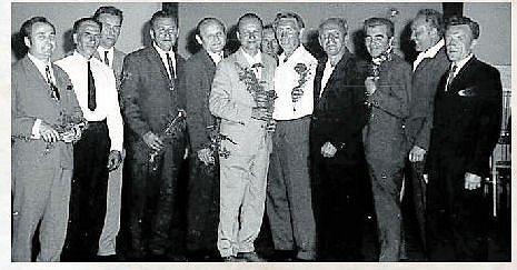 JUBILANTI. Setkání padesátníků v roce 1972.
