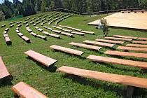 V pátek a sobotu se v areálu Infocentra Zvonice na Soláni koná folklórní festival Babí léto na Soláni. Přípravy a zdobení areálu jsou v plném proudu už od poloviny týdne.