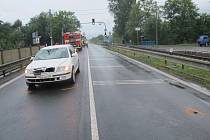Třiadvacetiletá cyklistka vjela v pondělí ráno pod kola Škody Octavia. Nehoda se stala v Zašové na Vsetínsku krátce před šestou hodinou ráno.