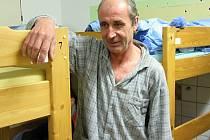 Roman Tomášek patří v denním centru a noclehárně valašskomeziříčské Charity ke stálým hostům.