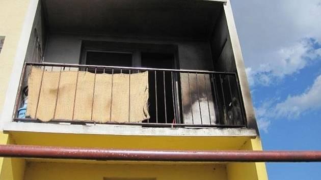 Ke dvěma požárům vyjížděli hasiči v úterý odpoledne na Vsetínsku. Mezi patnáctou a šestnáctou hodinou zasahovaly jednotky hasičů v Hošťálkové a také ve Vsetíně.