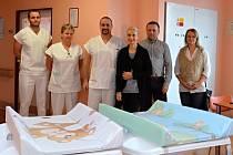 Nemocnice ve Valašském Meziříčí získala šest přebalovacích pultů v hodnotě 16 tisíc korun od meziříčské radnice.