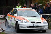 Posádka Jaroslav Pešl – Radek Juřica na voze Honda Civic Vti.